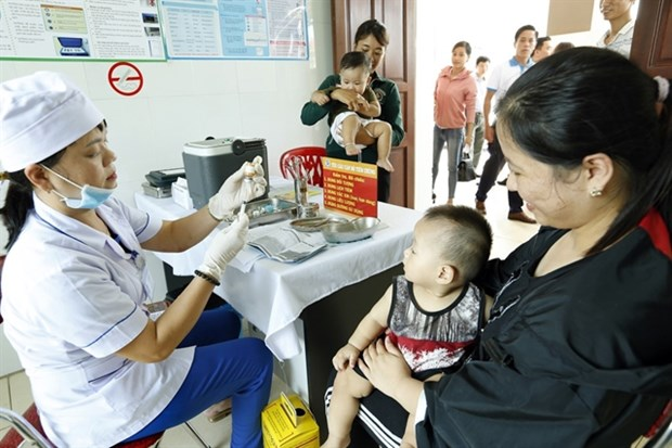 Health sector to increase work on vaccinations hinh anh 1