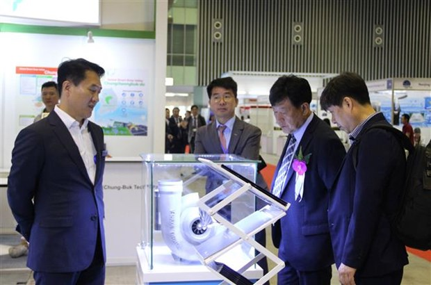 Int'l expo displays environment, energy technologies hinh anh 1