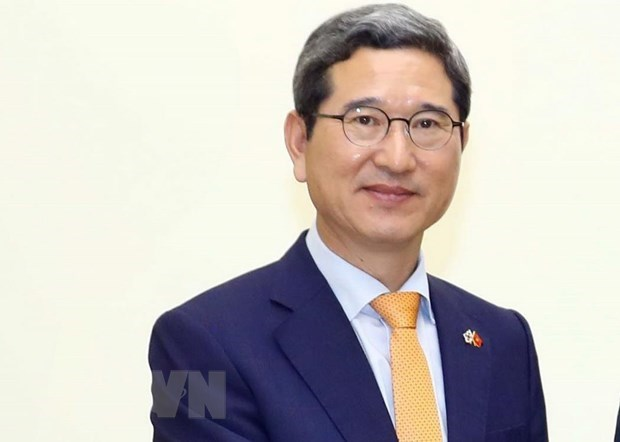 RoK lawmaker honoured with Friendship Order hinh anh 1