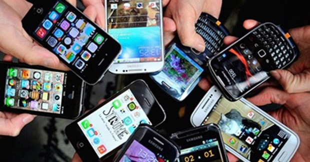 Vietnam imports 4.91 billion USD worth of mobile phones, components hinh anh 1