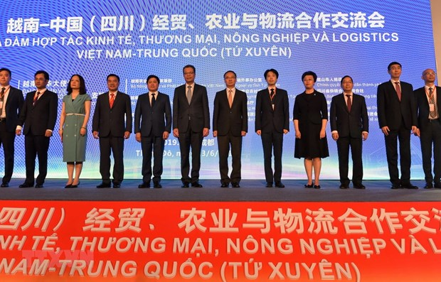 Vietnam, China step up cooperation in trade, agriculture, logistics hinh anh 1