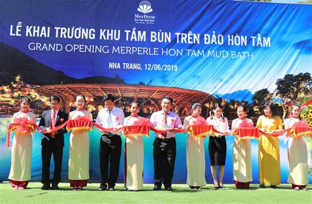 Vietnam's largest mud bath area on island opens in Khanh Hoa hinh anh 1