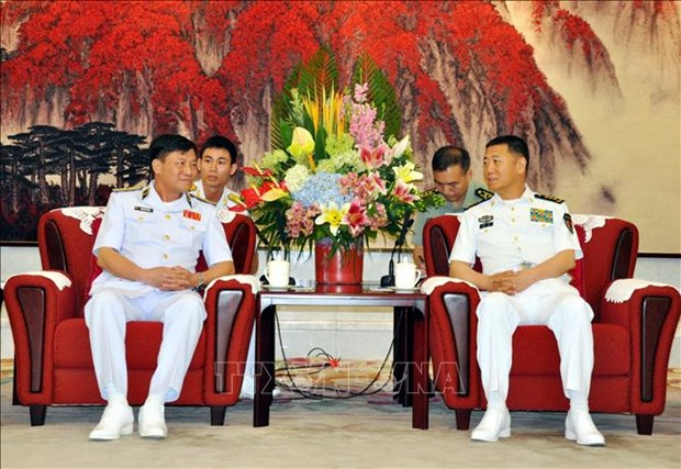High-ranking naval delegation visits China hinh anh 1