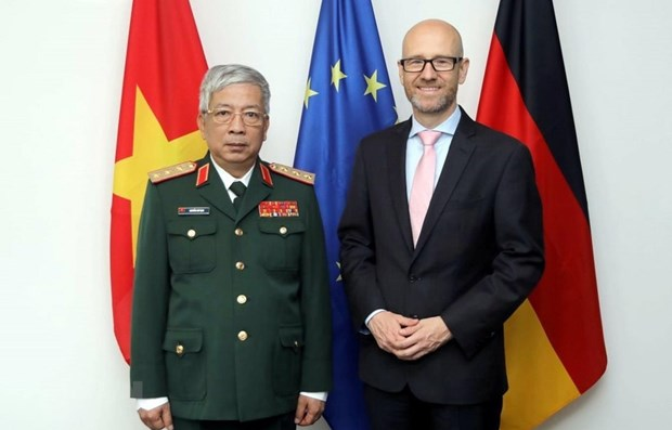 Vietnam, Germany seek to expand defence ties hinh anh 1