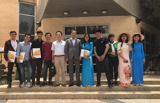 Graduation ceremony for Vietnamese students in Israel hinh anh 1