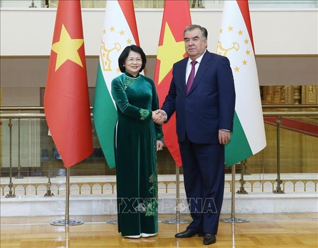 Vice President holds bilateral meetings on CICA sidelines hinh anh 1