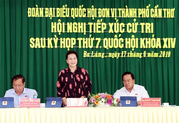 NA Chairwoman meets voters in Can Tho hinh anh 1