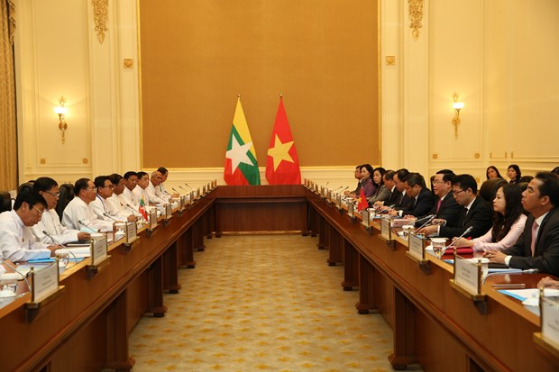 Vietnam wishes to unceasingly develop ties with Myanmar: Deputy PM hinh anh 1