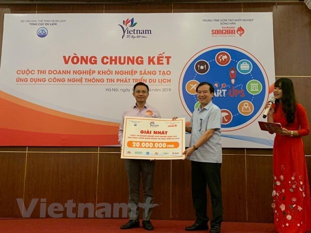 Tourism-hotel transaction platform wins startup contest hinh anh 1
