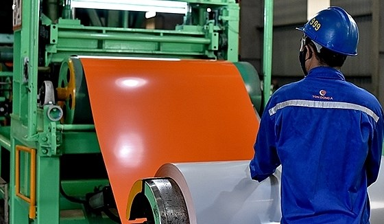 VN levies anti-dumping duties on colour-coated steel sheet imports hinh anh 1