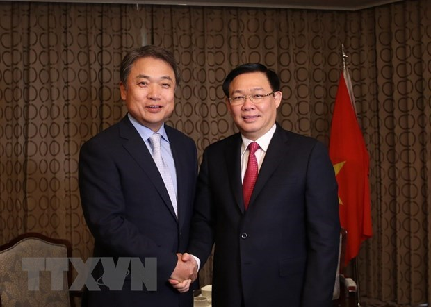 Deputy PM updates RoK investors on Vietnam's policies hinh anh 1