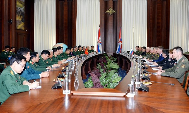 Vietnam, Russia enhance defence partnership hinh anh 1
