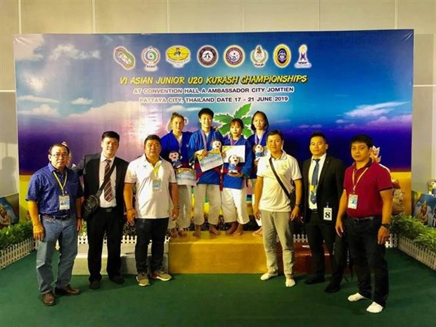 Vietnam wins two golds in Asian junior kurash championships hinh anh 1