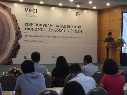 Conference discusses ensuring legal timber in public procurement hinh anh 1