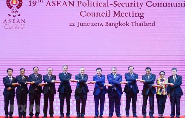 ASEAN Summit: APSC-19, ACC-23 held in Bangkok hinh anh 1