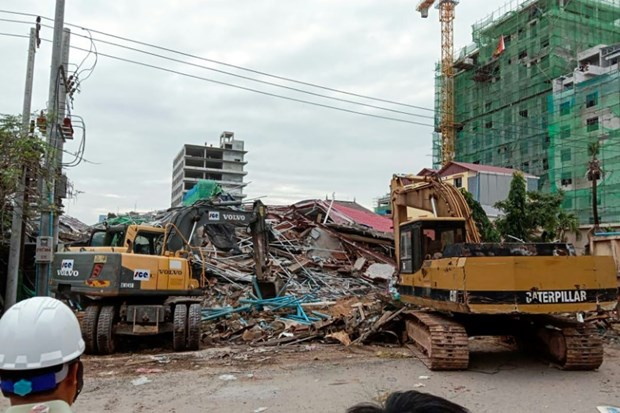 Seven killed in Cambodia building collapse hinh anh 1