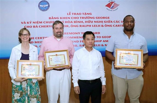 George School honoured for fostering US-VN friendship hinh anh 1