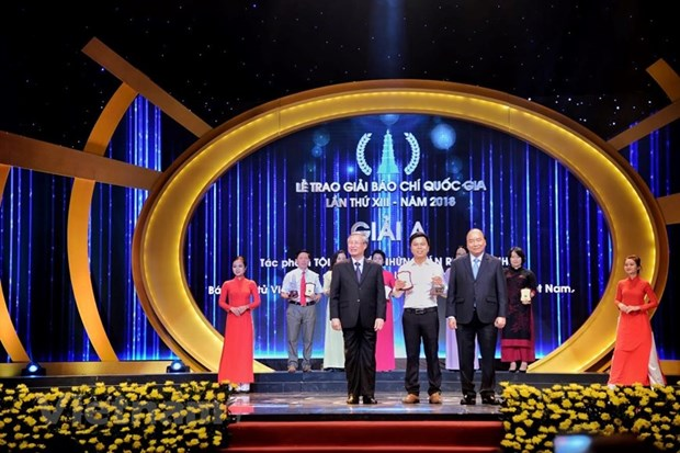 Mainstream journalistic works honoured on Revolutionary Press Day hinh anh 1
