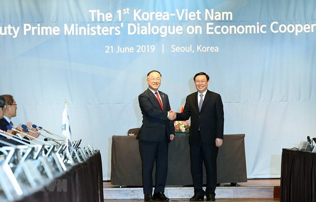 Vietnam, RoK hold first deputy PM economic dialogue hinh anh 1