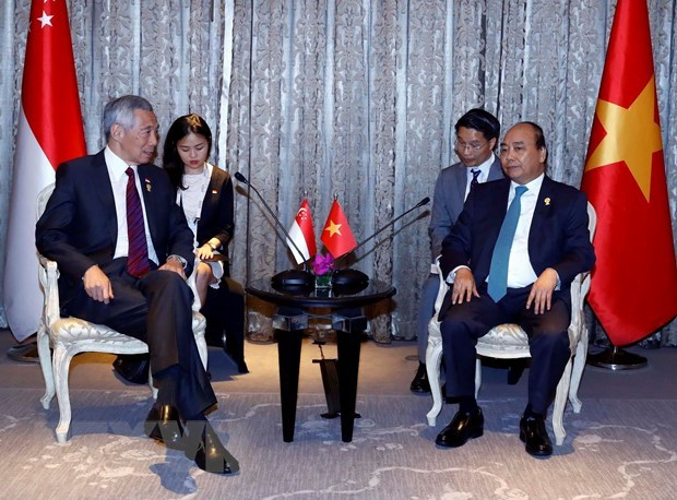 PM meets with leaders on sidelines of 34th ASEAN Summit hinh anh 3