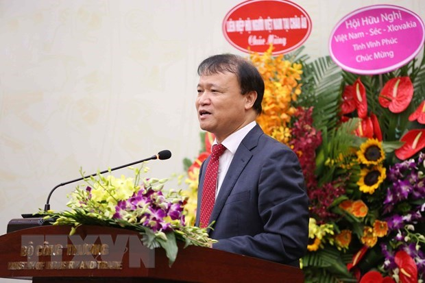 Deputy Trade Minister elected Vietnam-CZ Friendship Association's head hinh anh 1