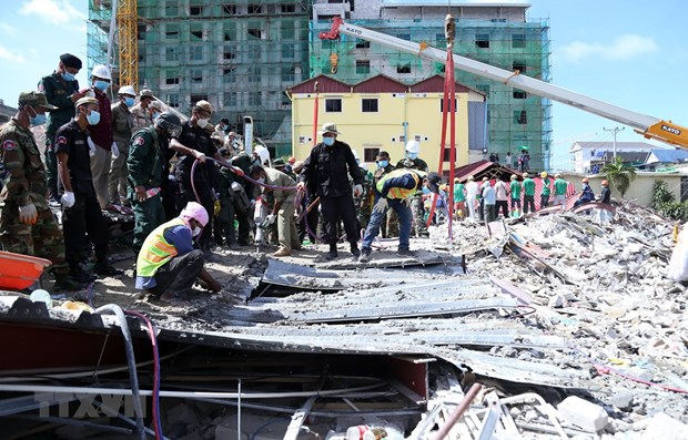 Cambodia arrests four suspects in building collapse hinh anh 1
