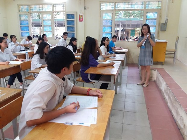 Students enter first day of national high school exam 2019 hinh anh 1