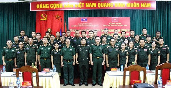 Vietnam helps Lao officers improve military history research skills hinh anh 1