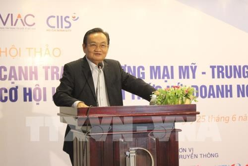 Vietnamese firms face high risks from US-China trade war hinh anh 1