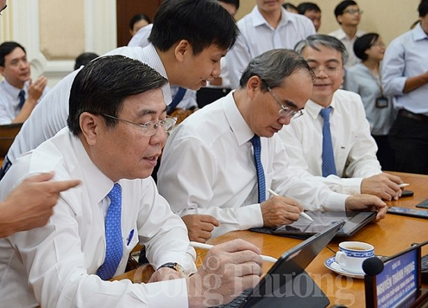 HCM City moves to paperless government hinh anh 1
