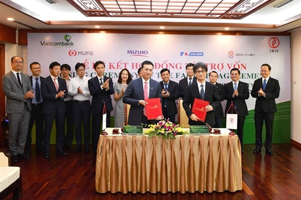 Vietcombank, JBIC sign contract for renewable energy projects hinh anh 1