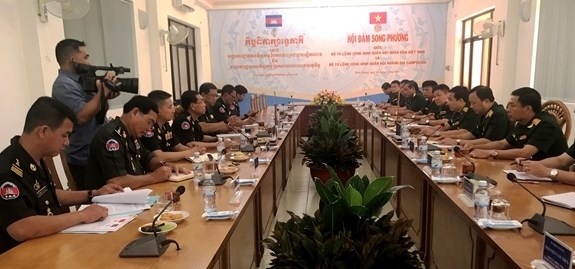 Vietnam, Cambodia boost military engineering cooperation hinh anh 1