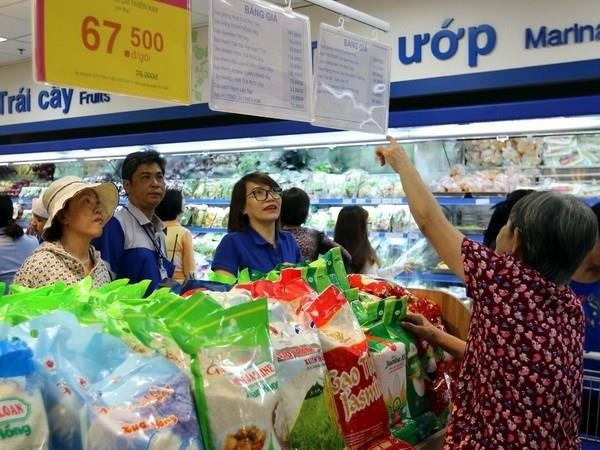 Saigon Co.op takes over Auchan retail system hinh anh 1