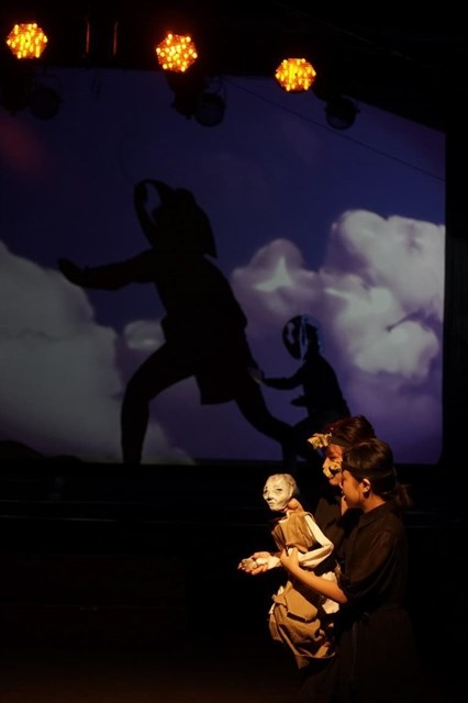 Contemporary puppet show premieres in HCM City hinh anh 1