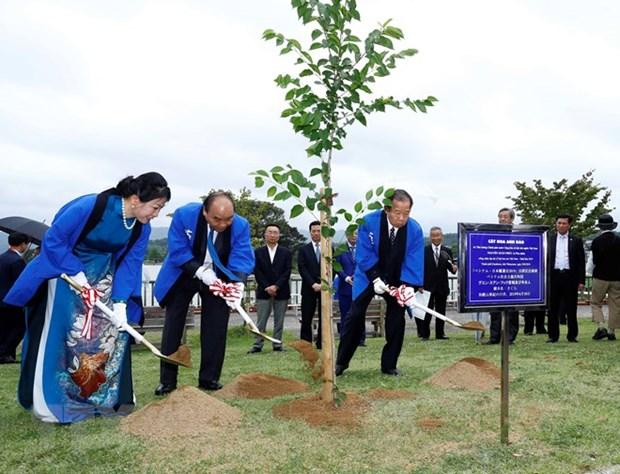 PM attends Japan – Vietnam lotus festival hinh anh 1