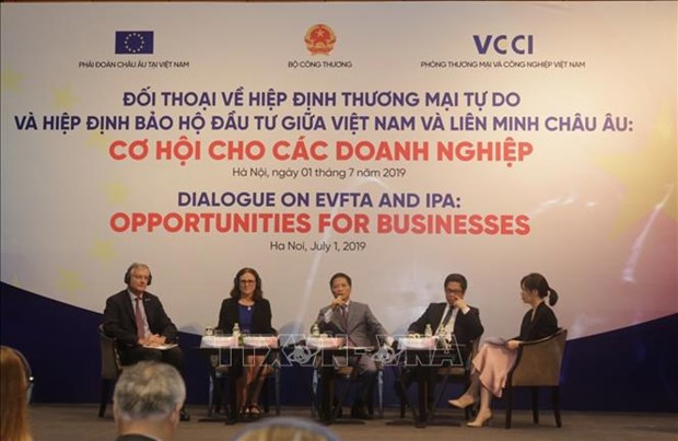 Dialogue spotlights EU-Vietnam free trade, investment protection pacts hinh anh 1