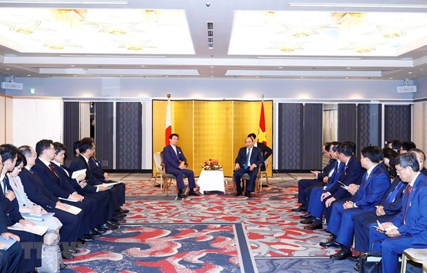 PM urges Japanese localities to expand ties with Vietnam hinh anh 1