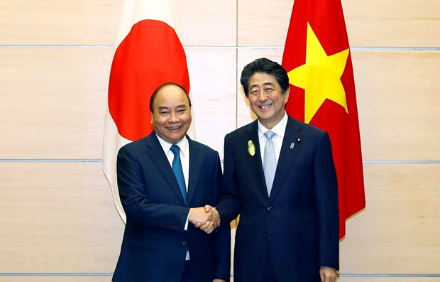 Vietnamese, Japanese Prime Ministers hold talks hinh anh 1
