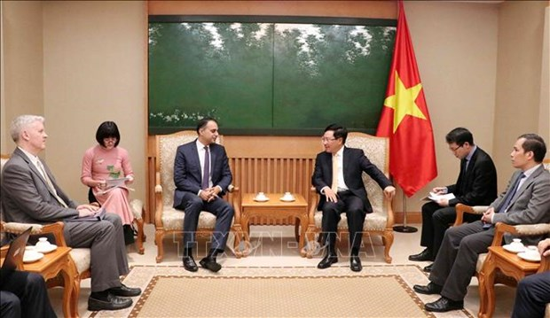 Vietnam treasures relations with ADB: Deputy PM hinh anh 1