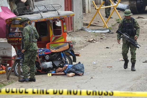 Philippines suspects local militant of conducting first suicide bombing hinh anh 1
