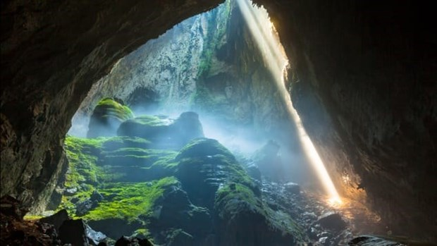 Discovering mysteries of Quang Binh caves hinh anh 1