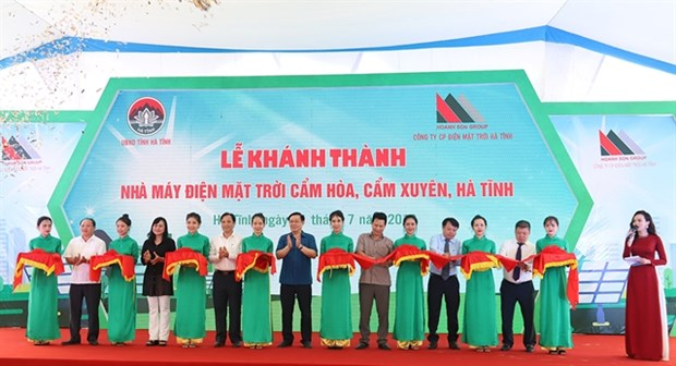 First solar power plant inaugurated in Ha Tinh province hinh anh 1
