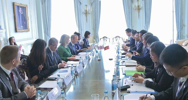 Vietnam, UK hold 7th strategic dialogue hinh anh 1