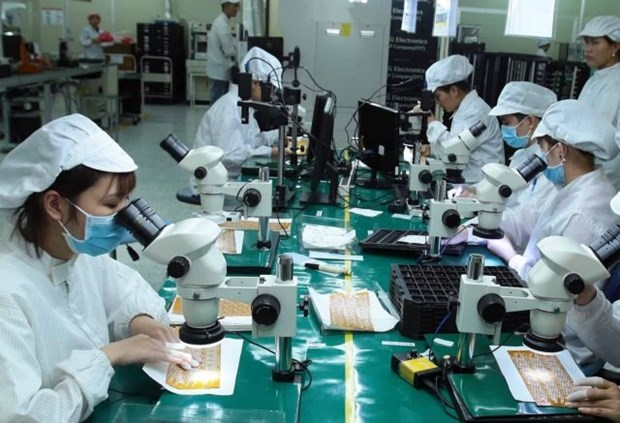 Easing external demand to weigh on Vietnamese manufacturing sector's growth hinh anh 1