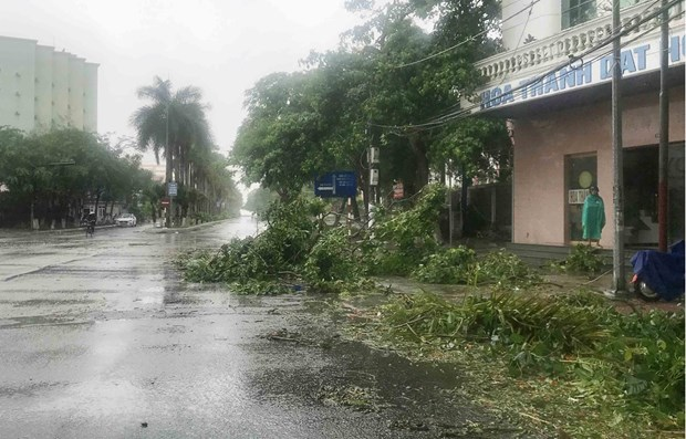 Storm-affected localities asked to stay alert for torrential rains hinh anh 1