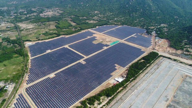 82 solar power plants connected to national grid hinh anh 1