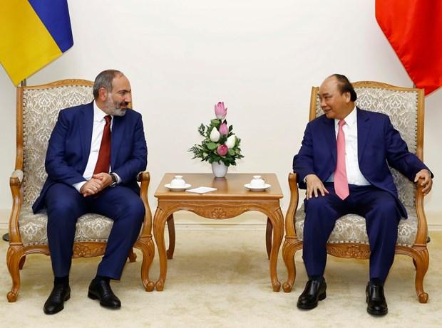 Vietnamese, Armenian PMs hold talks hinh anh 1