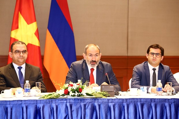 Armenian PM seeks to boost trade, investment ties with Vietnam hinh anh 1