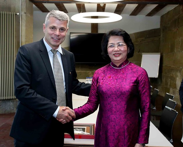 Vice President hopes for Swiss state's stronger ties with Vietnamese localities hinh anh 1