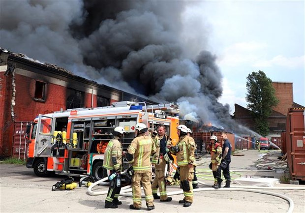 Vietnamese market in Berlin resumes operation after blaze hinh anh 1